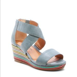 Lucky Brand Gwindolin girls sandal shoes